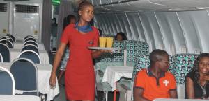 Avião transformado em restaurante em Gana